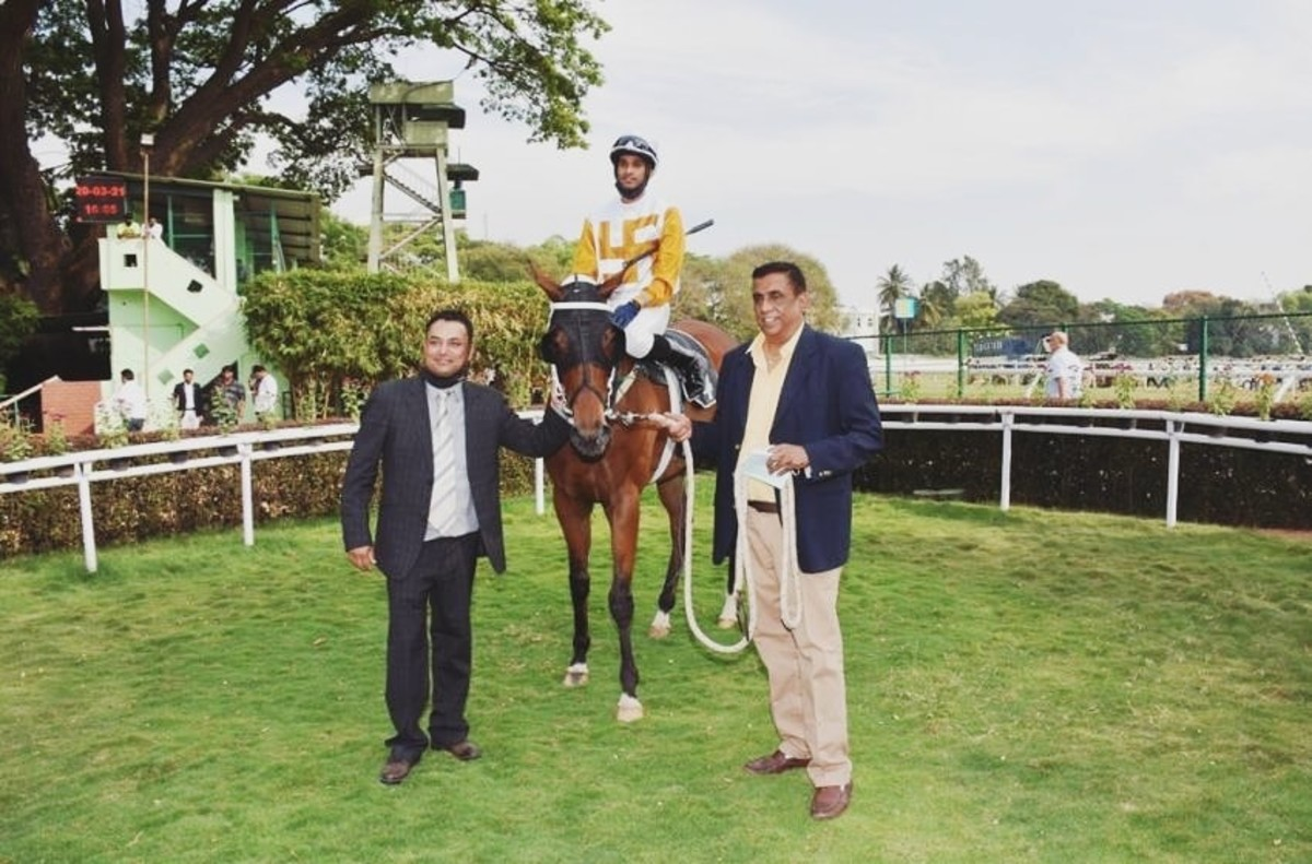 Green Channel with Champion Apprentice Jockey Arul JH up, trained by Neil B Deveney, and owned by Dr Suresh Chintamaneni