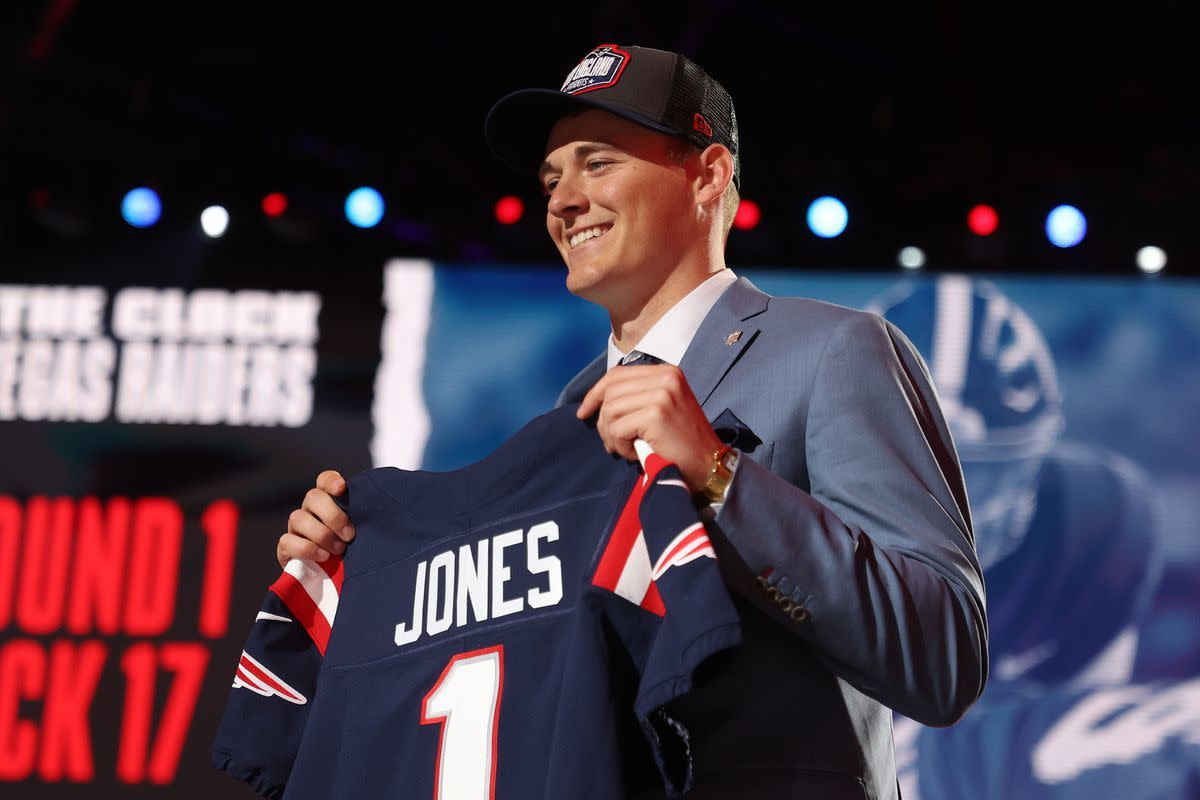 Patriots select former Alabama QB Mac Jones with the 15th Pick in the first round.