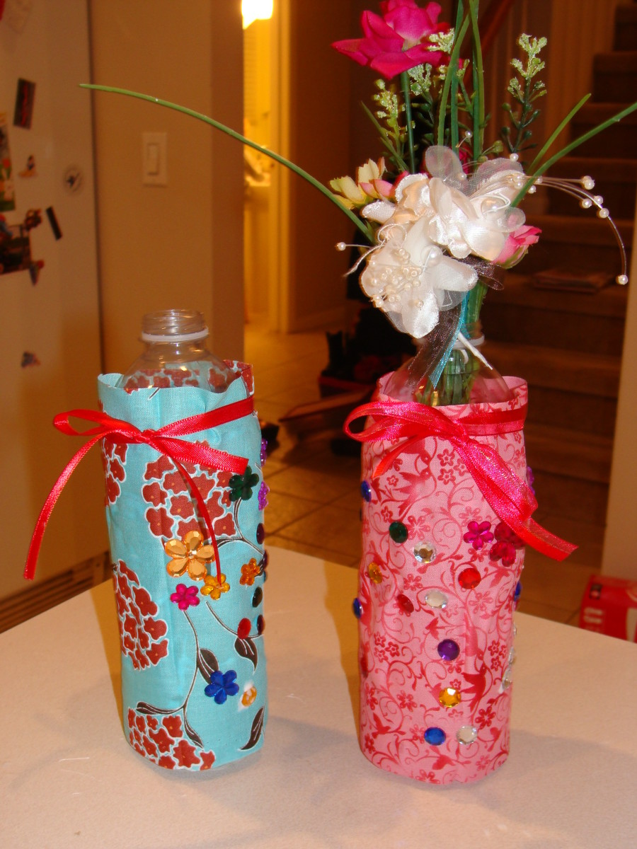 Recycled water bottle fabric vases a kids 39 craft hubpages for Recycled water bottle crafts for kids