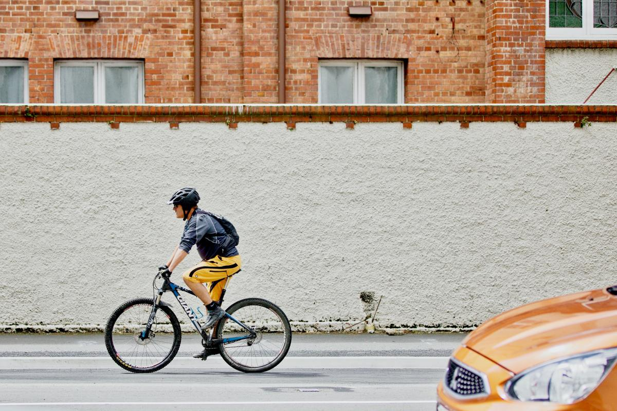 There are numerous advantages of cycling over driving.