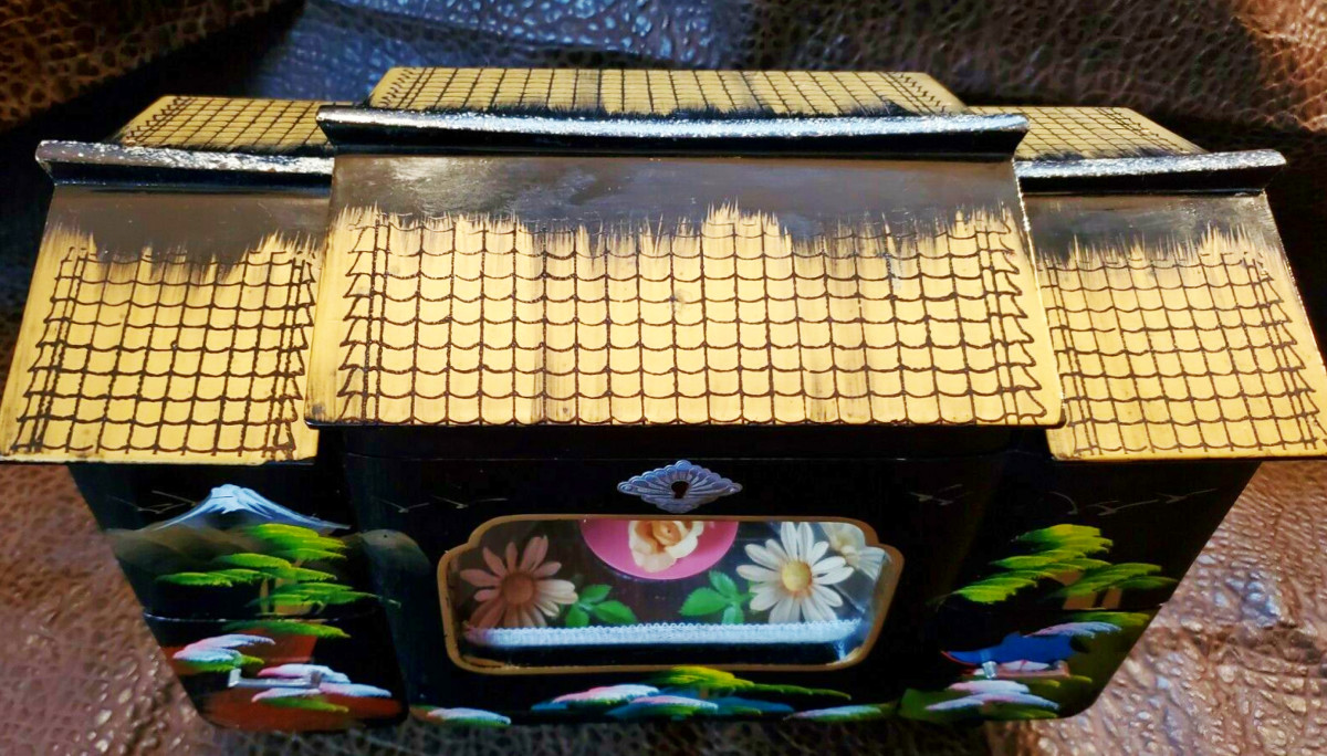 Japanese vintage 1940s black lacquer music box ballet dancer jewelry box lights lights up and plays music when wound. Mount Fuji.