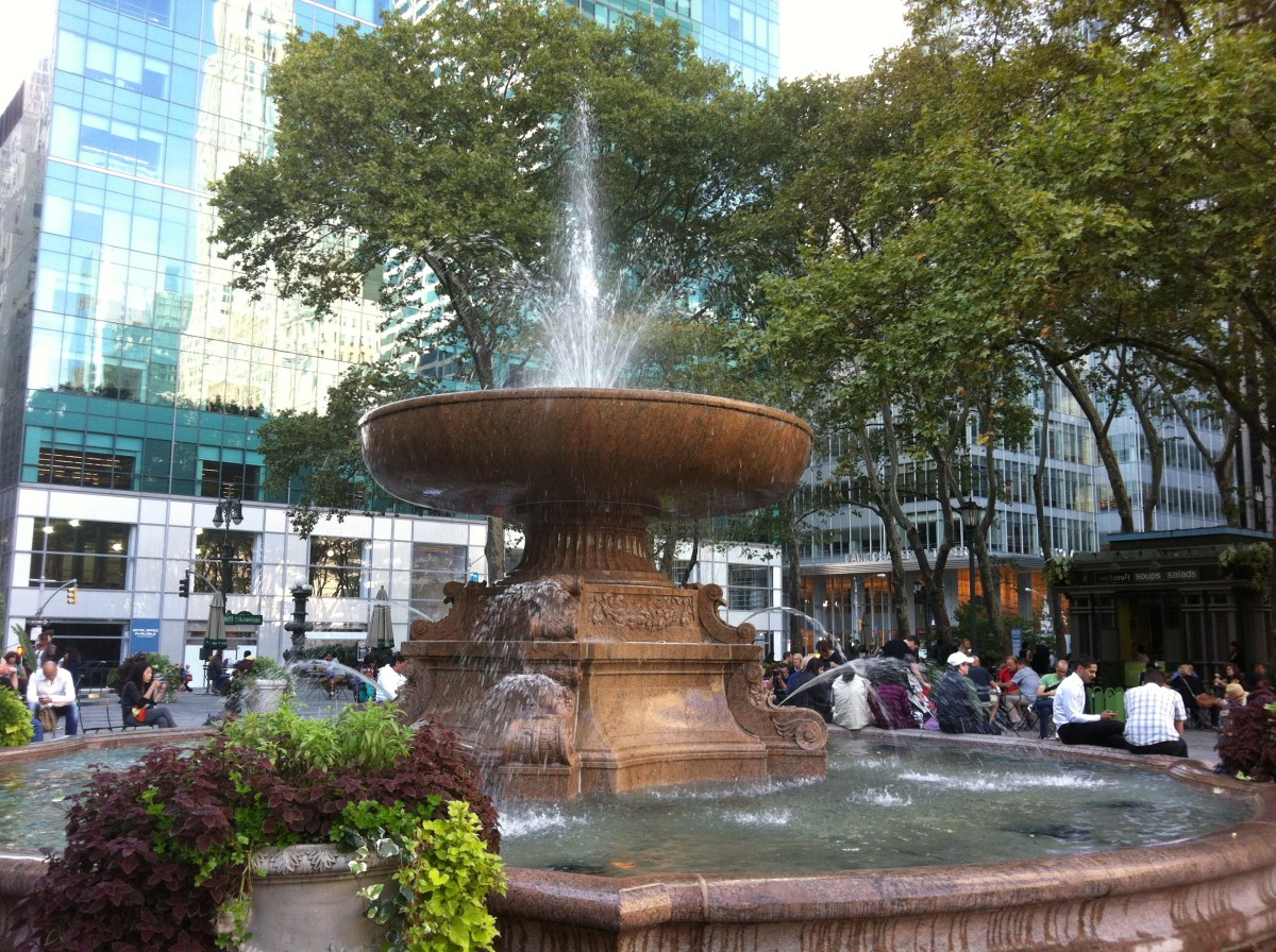Same Fountain in Bryant Park in Autumn as the one below with icicles.