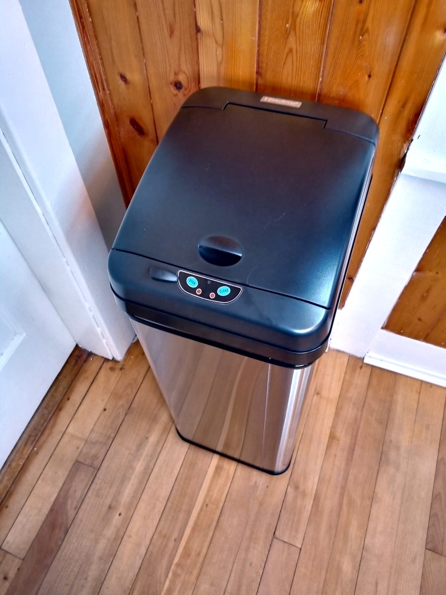 Itouchless 13-Gallon Sensor Equipped Trashcan