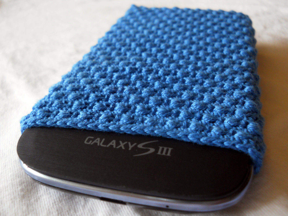 Crochet Donna's Phone Cozy #2 Free Pattern