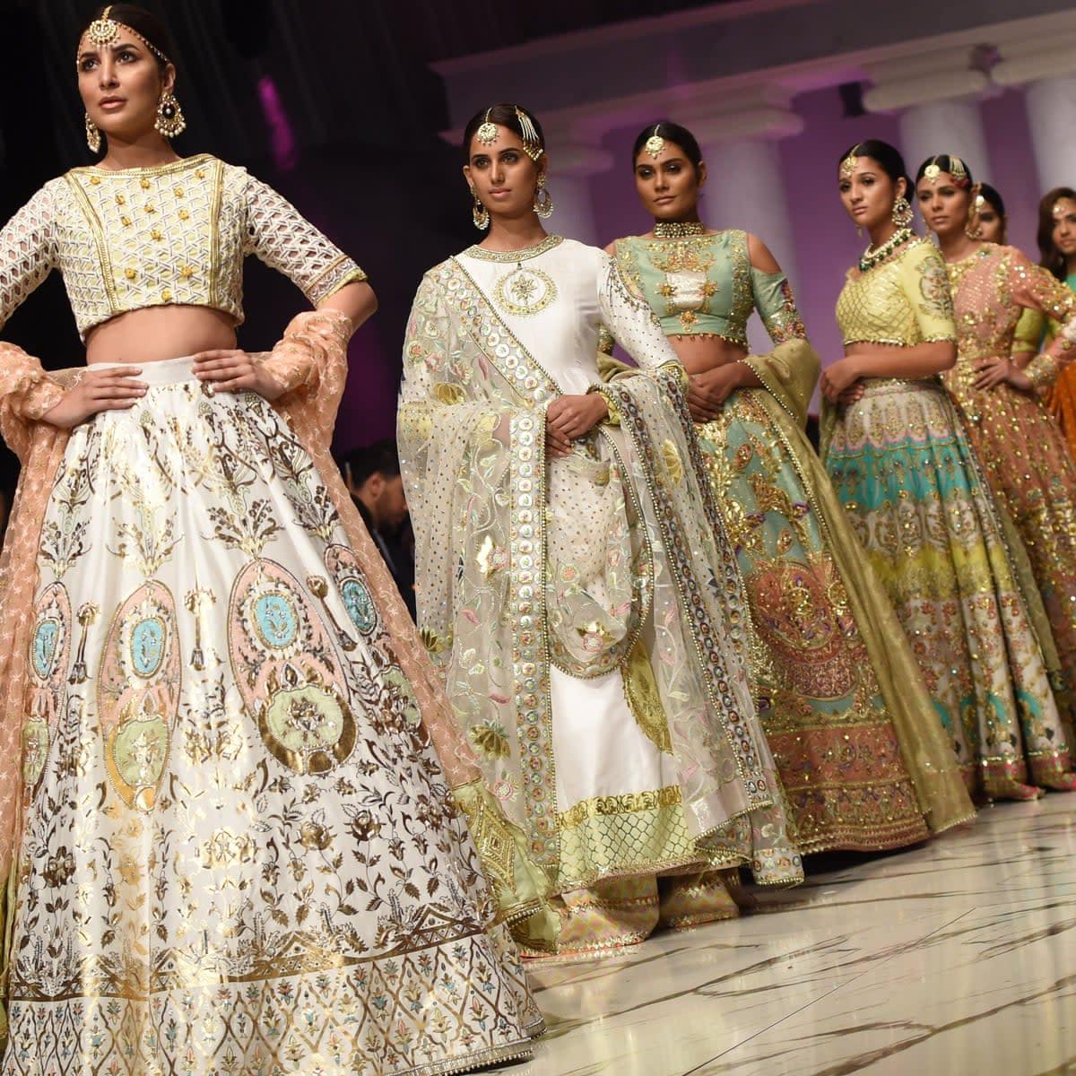 12 Most Famous Fashion Designers of Pakistani 2021