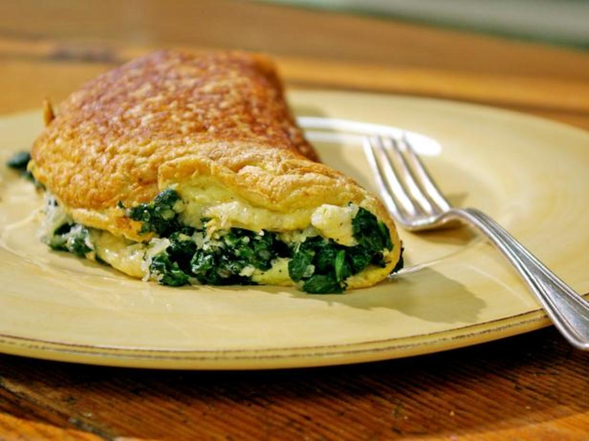 A Healthy And Delicious Spinach Cheese Omelette Recipe