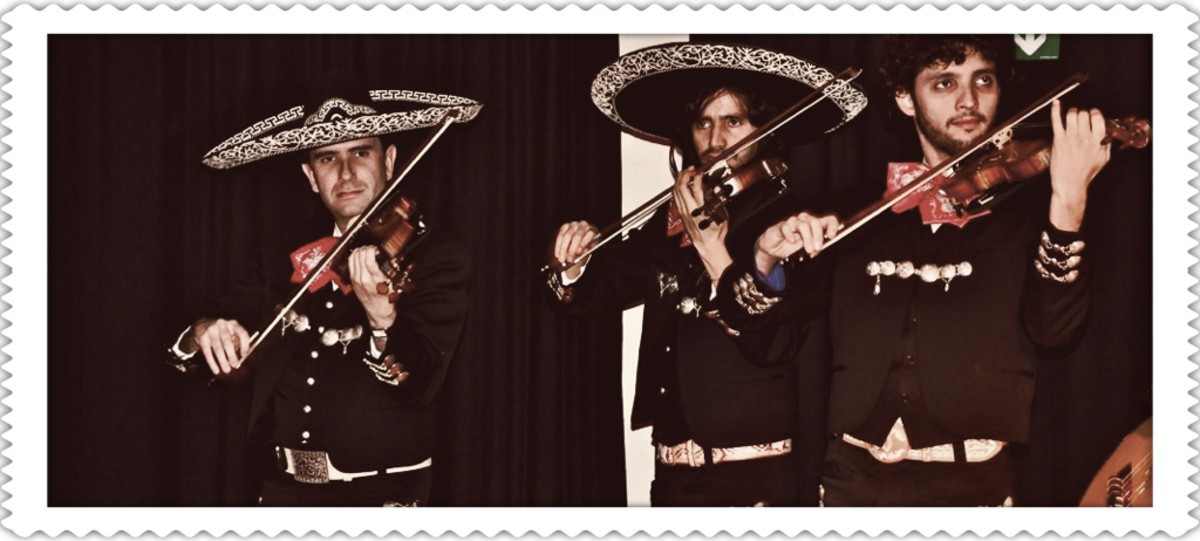 Mariachi Violinists