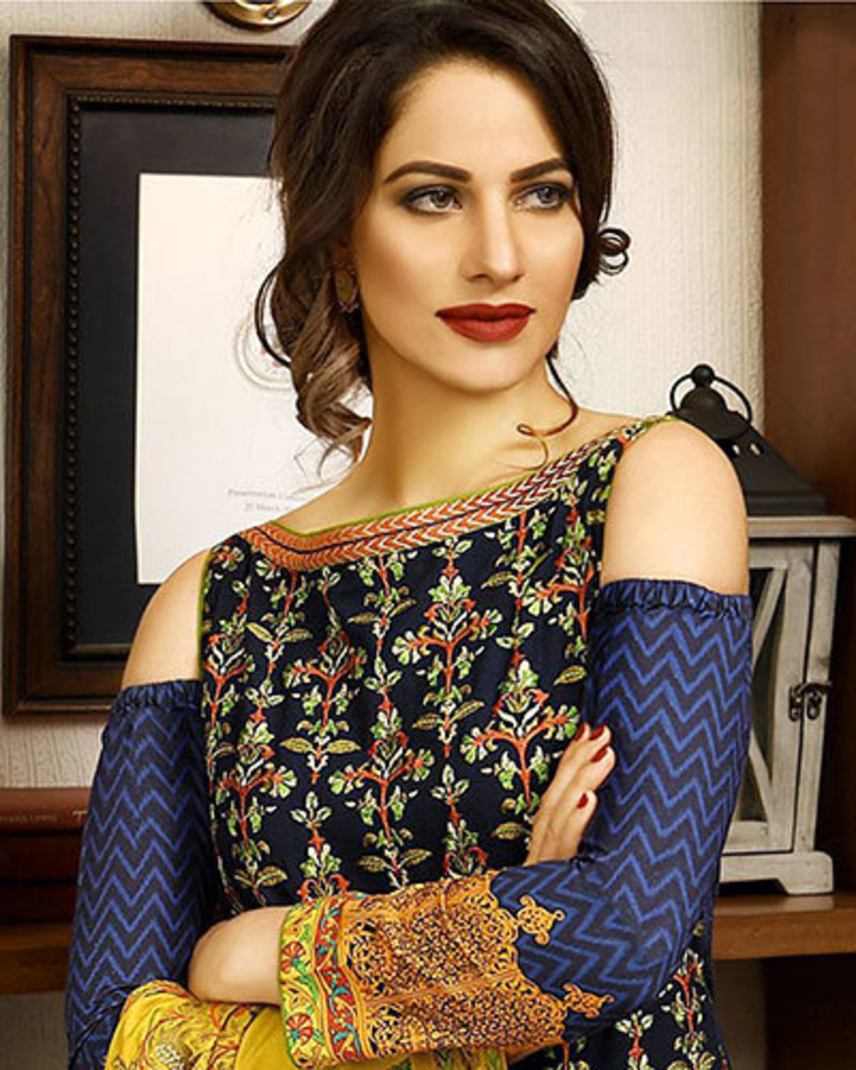 pakistans-15-most-popular-female-fashion-models