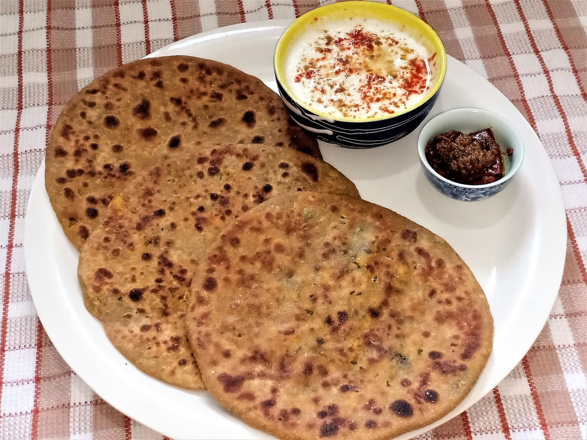 Paneer Paratha (Stuffed Cottage Cheese Flatbread) Recipe