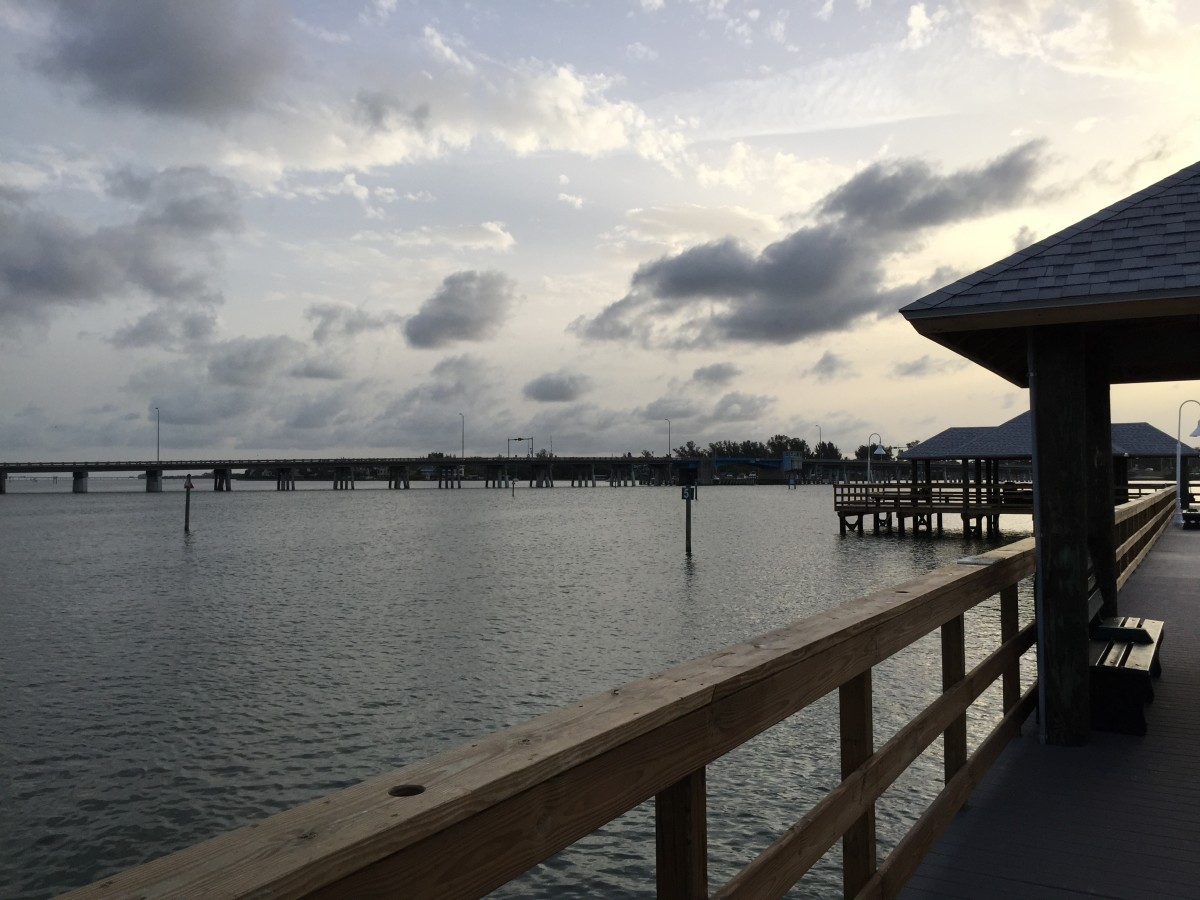 how-to-fish-and-catch-fish-off-of-gulf-coast-florida-piers
