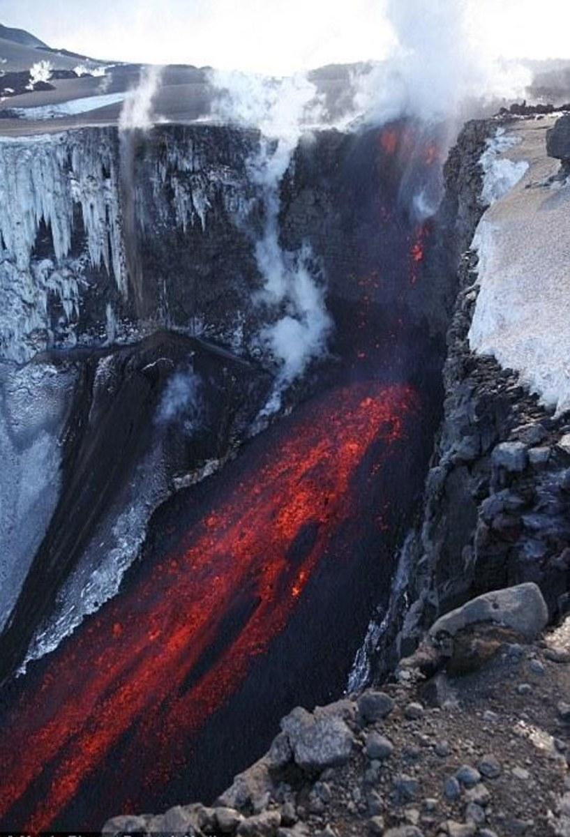 Lava flow from Myrdalsjokull and Eyjafjallajokull glaciers