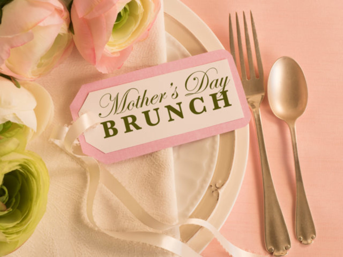 Make your Mother's breakfast brunch in bed on Sunday!