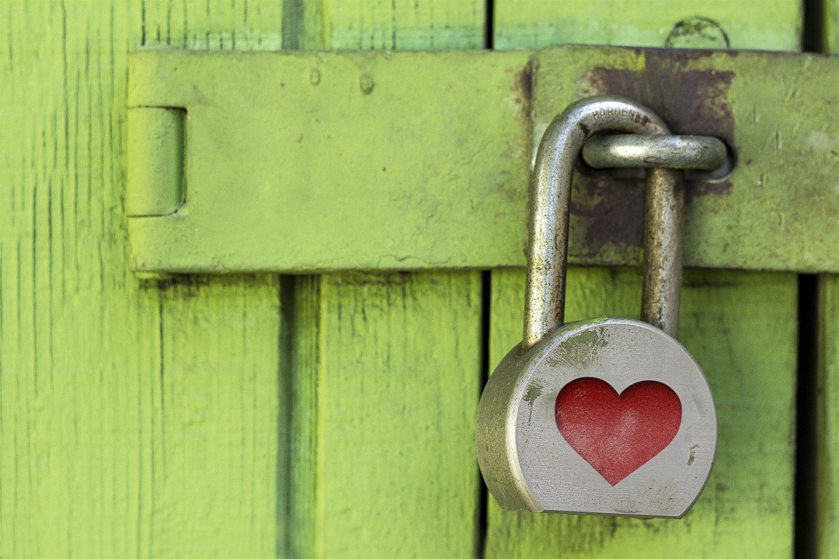 Does your partner keep other people's secrets under lock and key? Green flag!