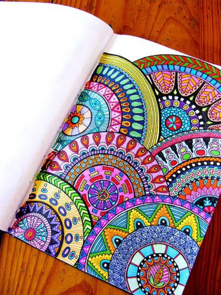 Use colorful designs in your art journals. These patterns are fun to create. Let your creativity go wild with your own custom designs