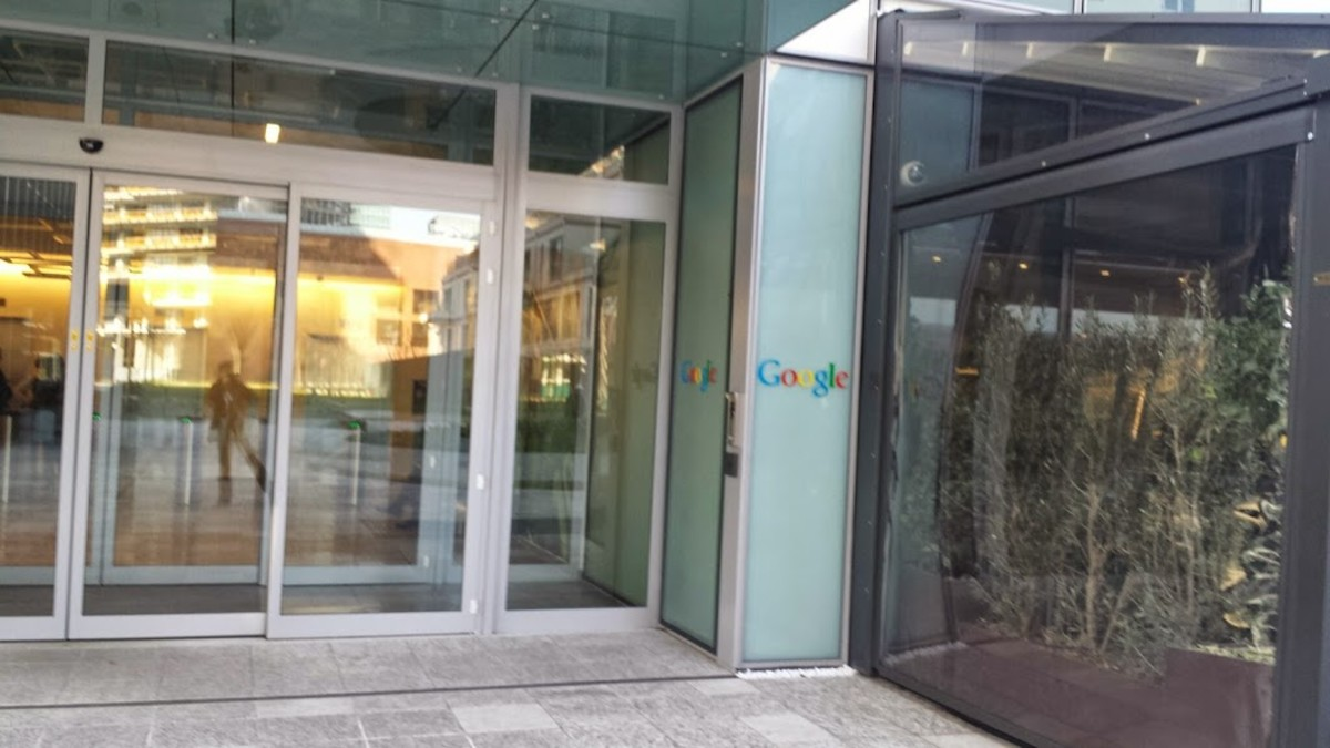 Google's Italian Offices, Milan (Italy). They are located in a modern building in Via Confalonieri.
