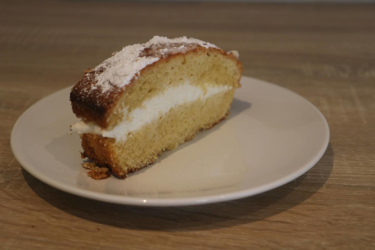 Soft Paradise Sponge Cake Whipped Cream Filling
