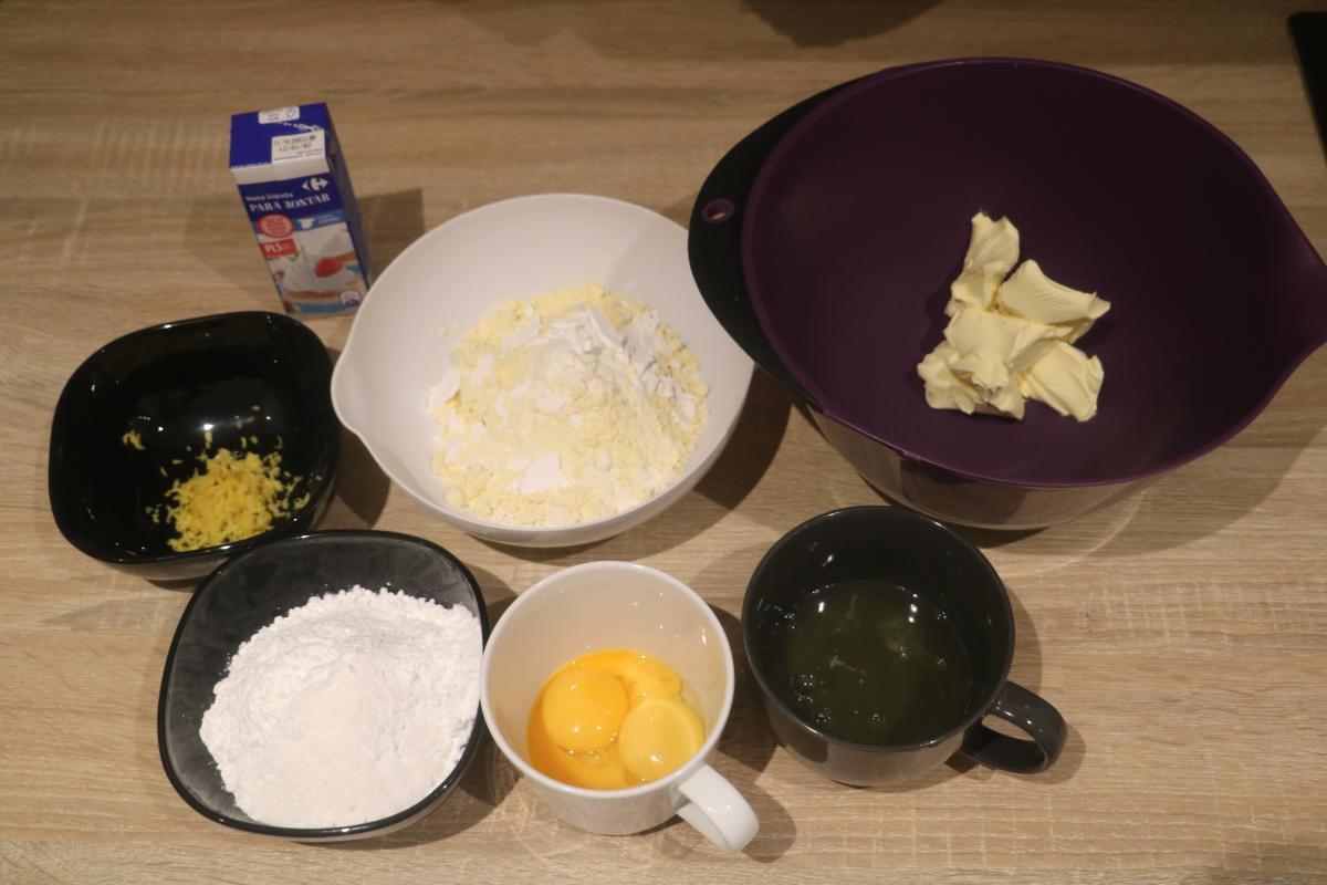 soft-paradise-sponge-cake-whipped-cream-filling