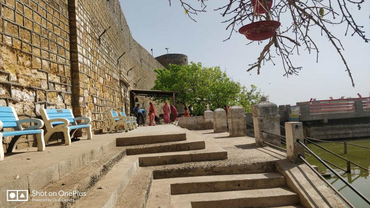 One of the bathing ghats, Narayana Sarovar