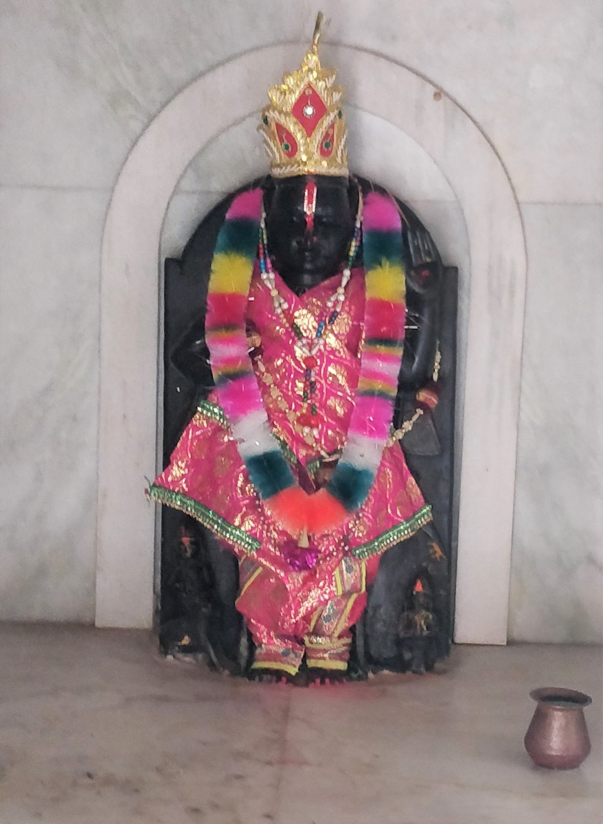 Idol of Sakshi Gopal-ji