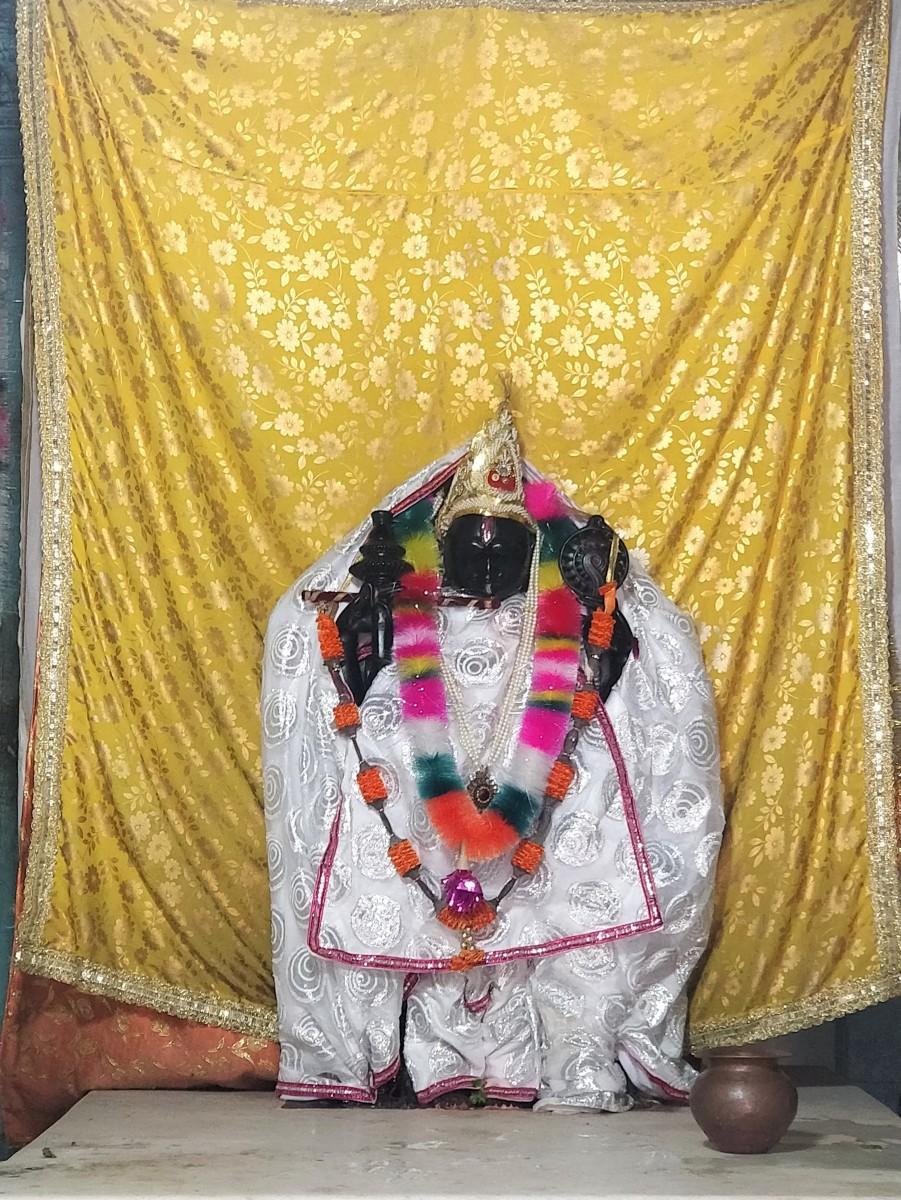 Idol of Dwarakadhish-ji