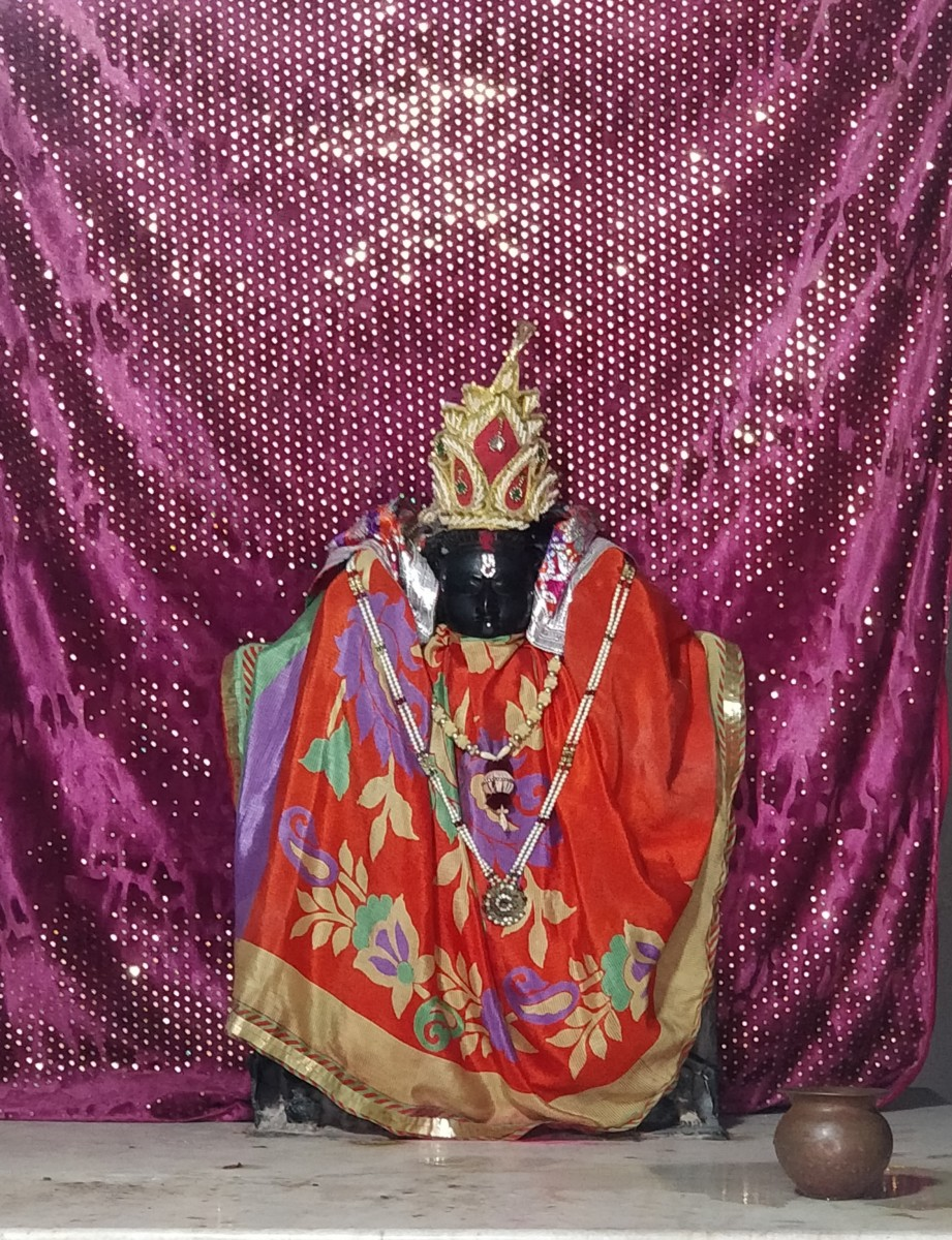Idol of Shri Laxmi-ji