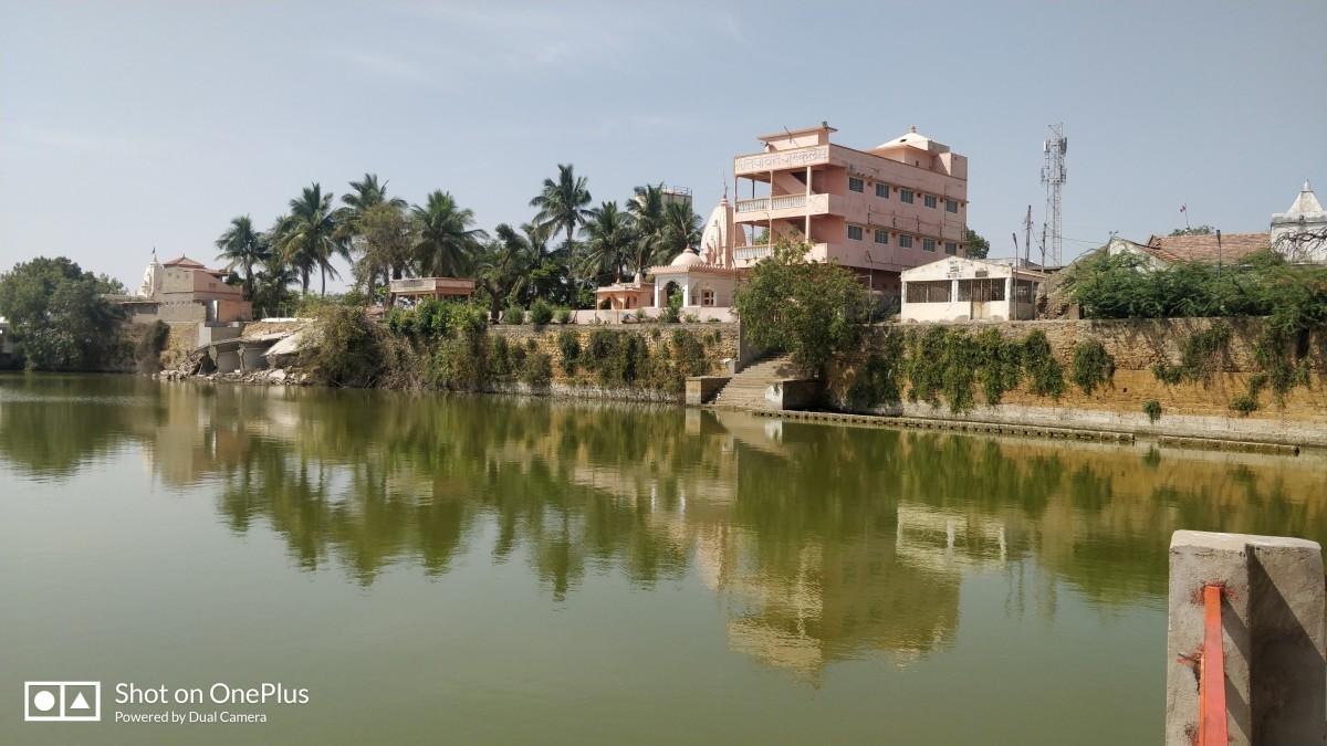 An Ashram on Narayana Sarovar