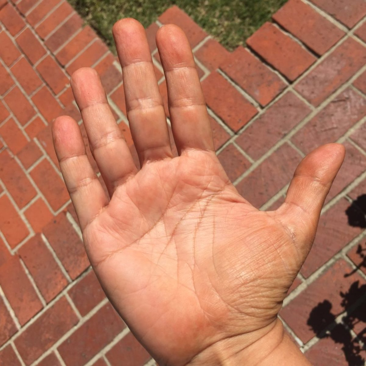 Wash your hands right after you've applied tanning spray or lotion.
