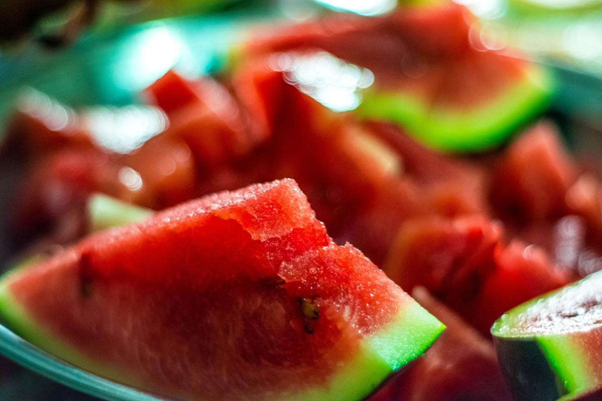 Watermelon powder mixes well with fresh, clean water.