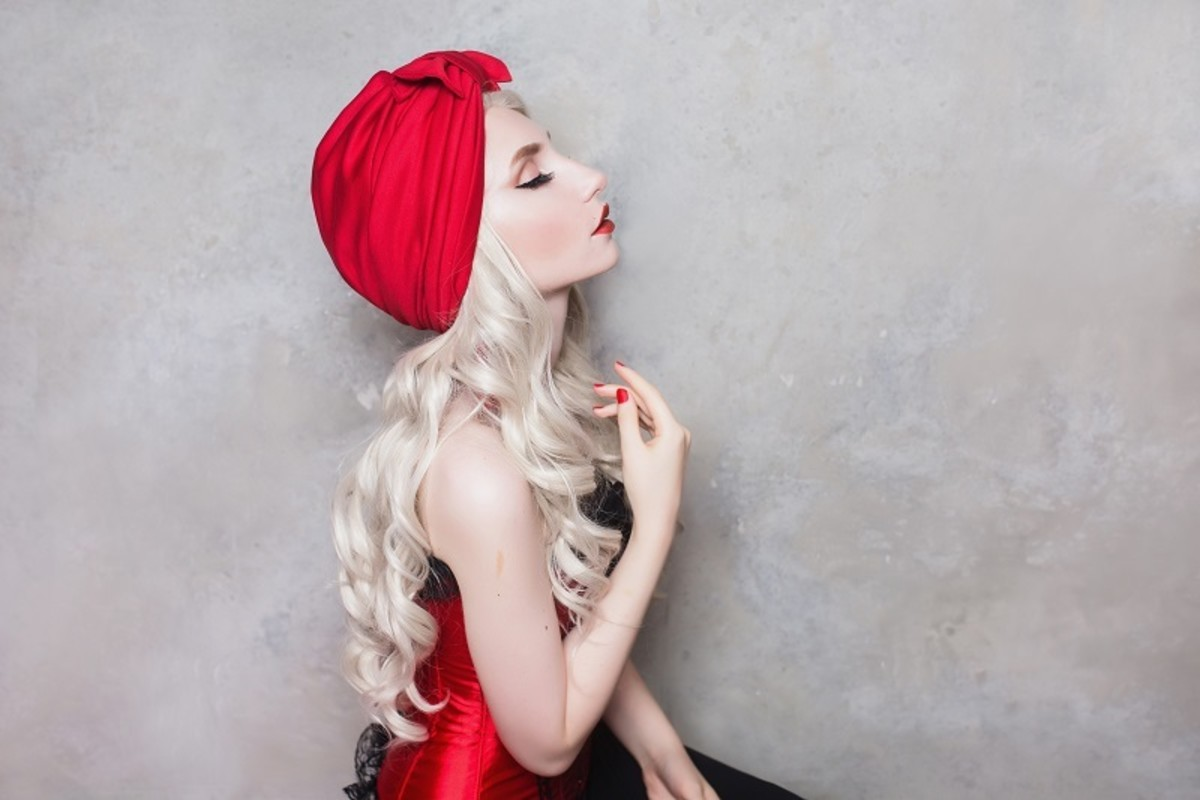 White hair can create an incredible contrast with any other color.