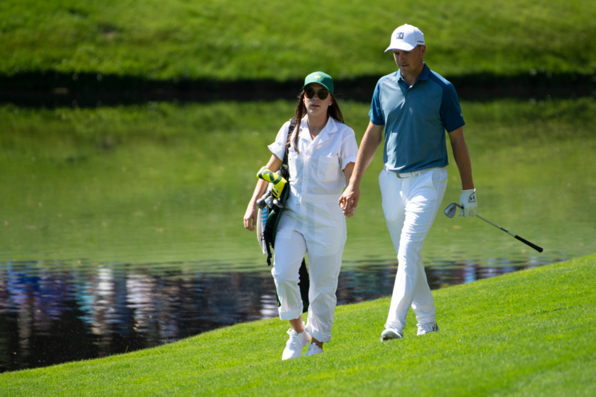 jordan-spieth-overcomes-covid-with-a-round-of-63-at-golf-tournament