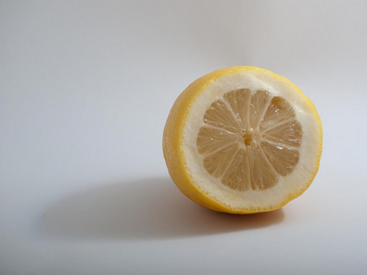The sour acidity of lemon pairs perfectly with sugar.