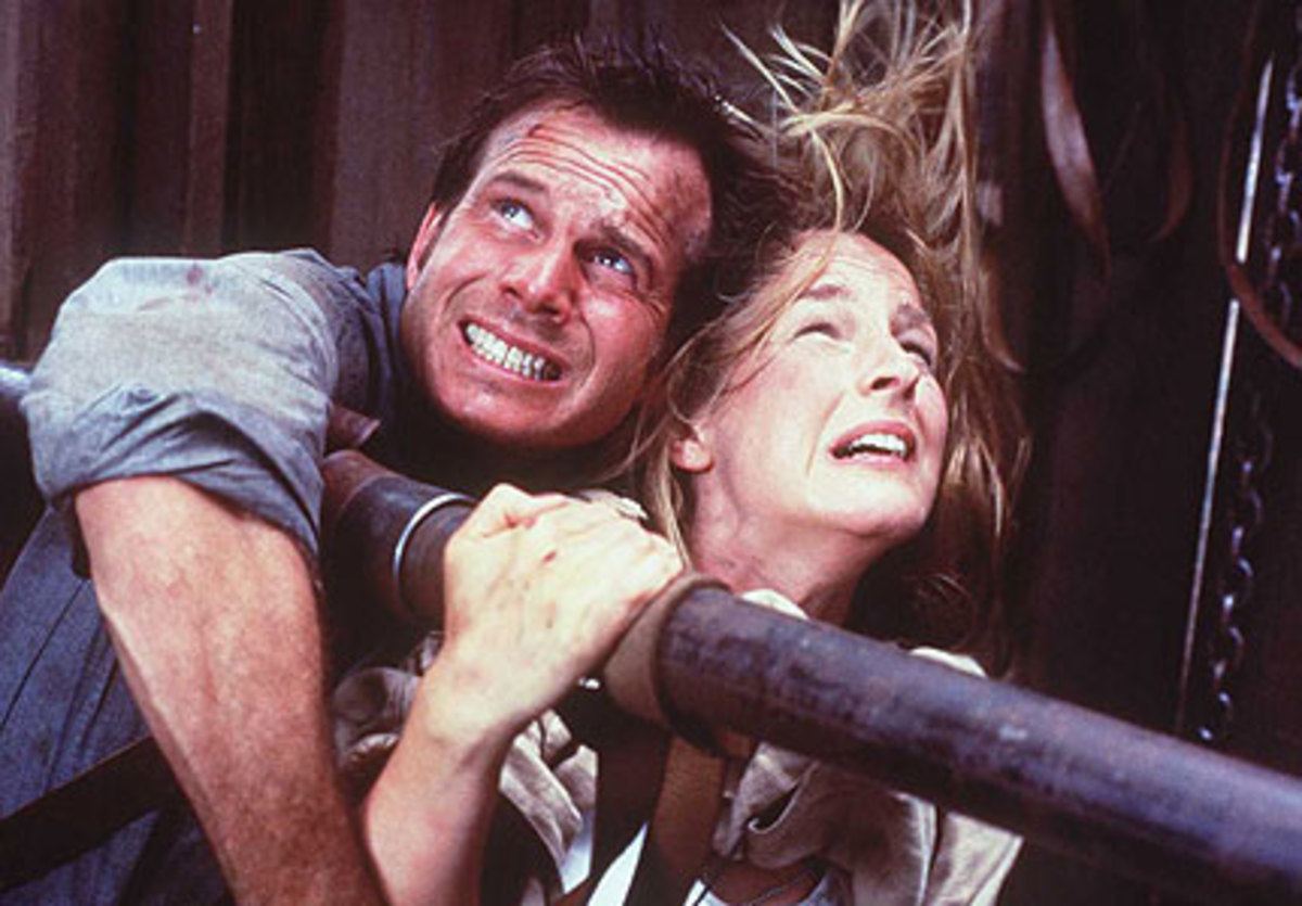 Bill Paxton and Helen Hunt hang on for dear life before falling in love again in Twister