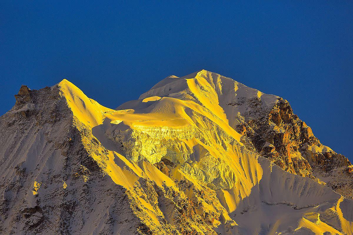 Sunrise on Mount Kanchenjunga on the trail to Goecha La