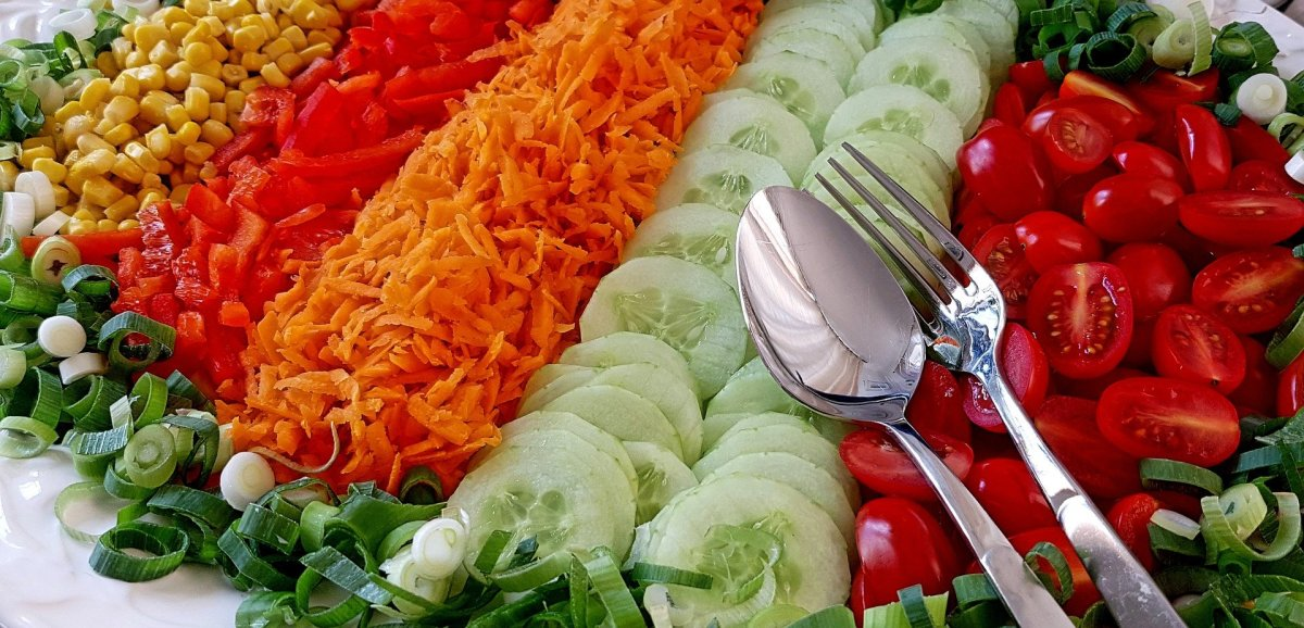 How to Make the Best Salad Bar