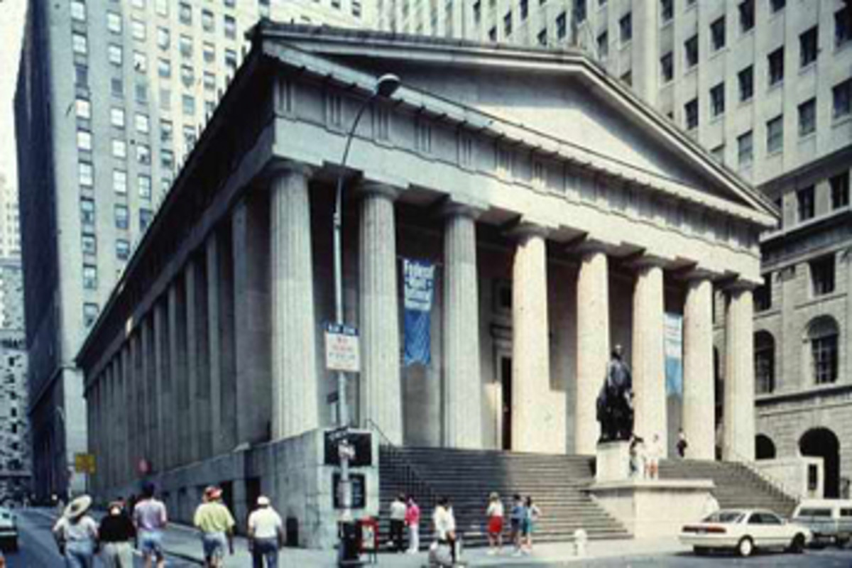 FEDERAL HALL: GEORGE WASHINGTON GAVE SPEECHES ON THIS SITE
