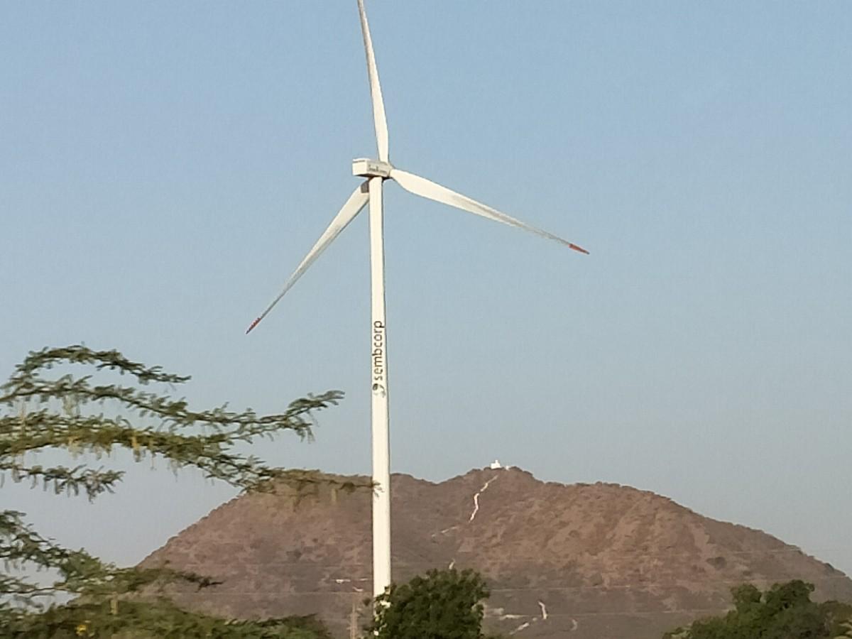 A wind turbine seen en route