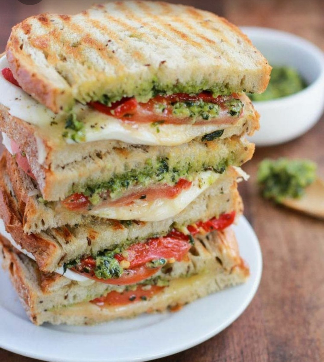 grilled-veg-n-cheese-sandwich