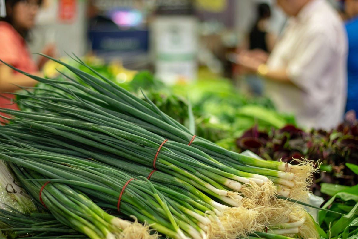 Are Scallions the Same as Green Onions? (+Bonus Recipe!)