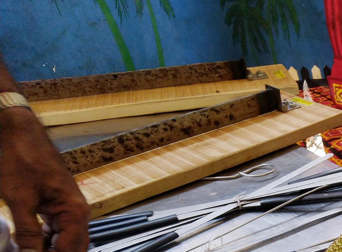Jackfruit cutting tools