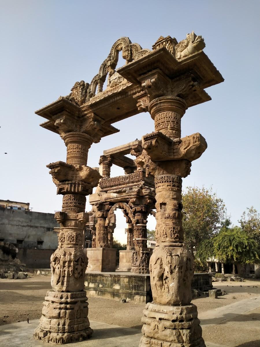 Rudra Mahalaya : ruins of Torana