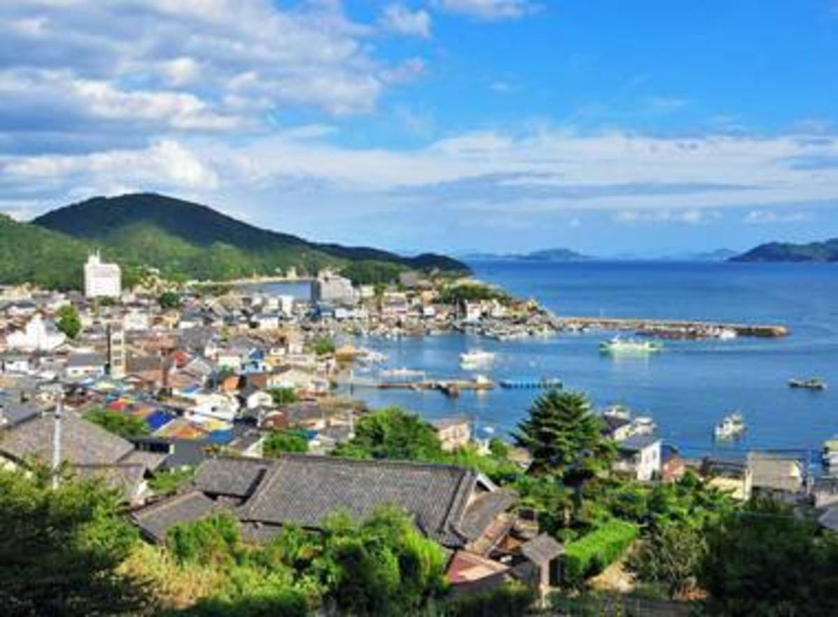 magical-places-to-visit-and-live-out-your-studio-ghibli-dreams