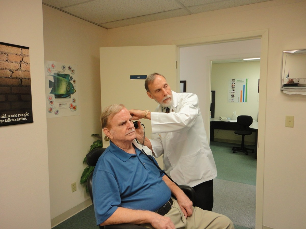 helping-loved-ones-dealing-with-hearing-loss