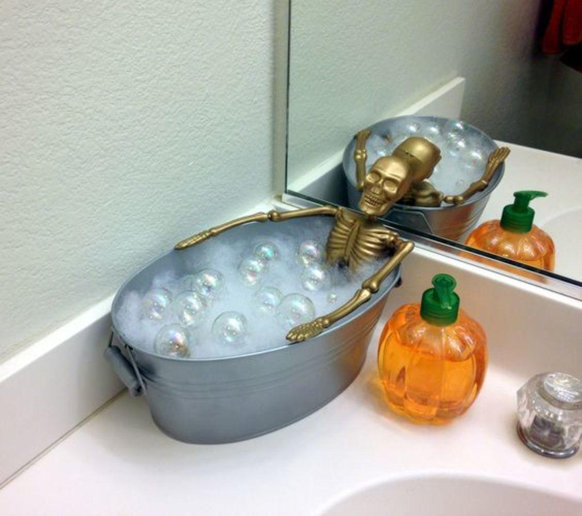dollar-store-halloween-decorations