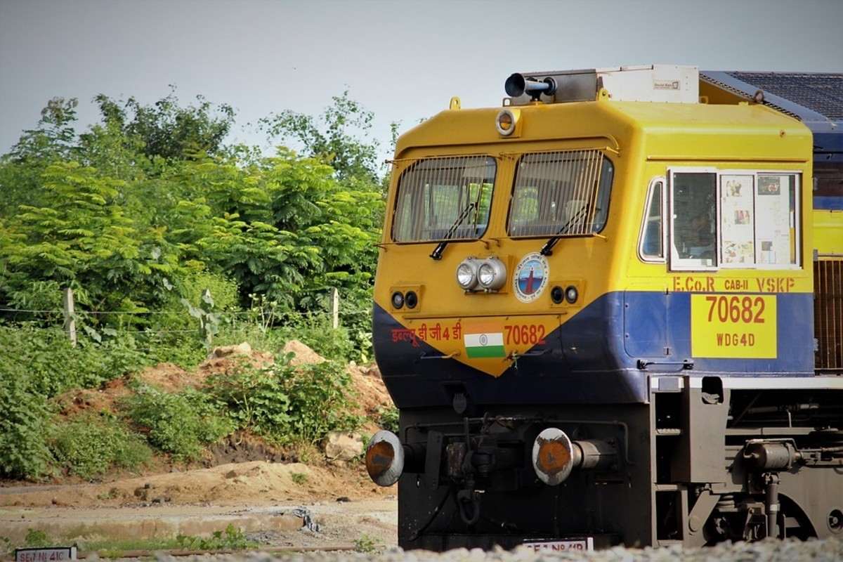 journey-to-madurai-onboard-tejas-express