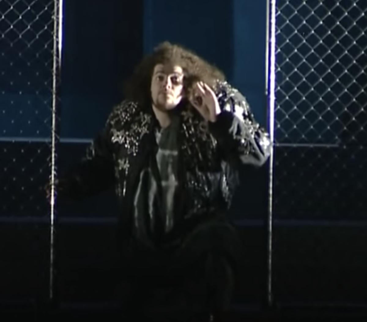 Christophe Crapez as Quasimodo in scenes from La Esmeralda,   Atelier Lyrique de Franche-Comté and the Opéra-Théâtre de Besançon, live recording, Opéra-Théâtre de Besançon