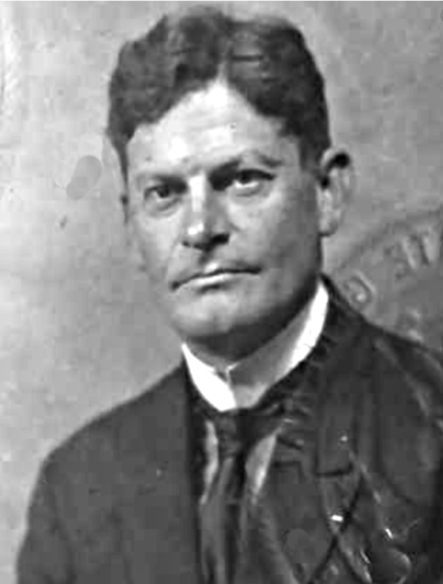 Allen James Greer served as a lieutenant in the US Army, 4th Infantry during the Philippine War.