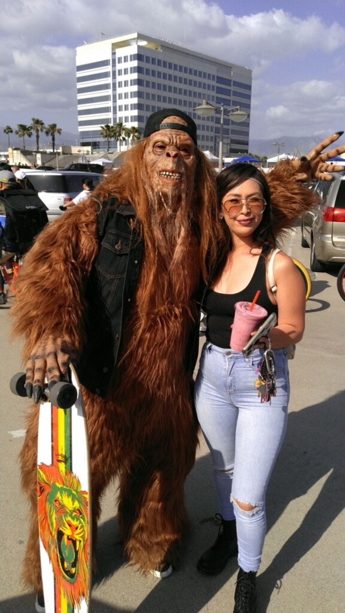 A patron of the event found Big Foot their to greet her.