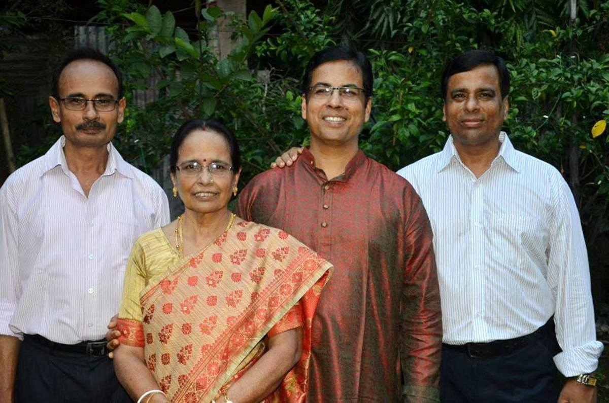 Alaka Das in front row. Subrata Das, Manas Kumar Das & Tapas Kumar das at back.
