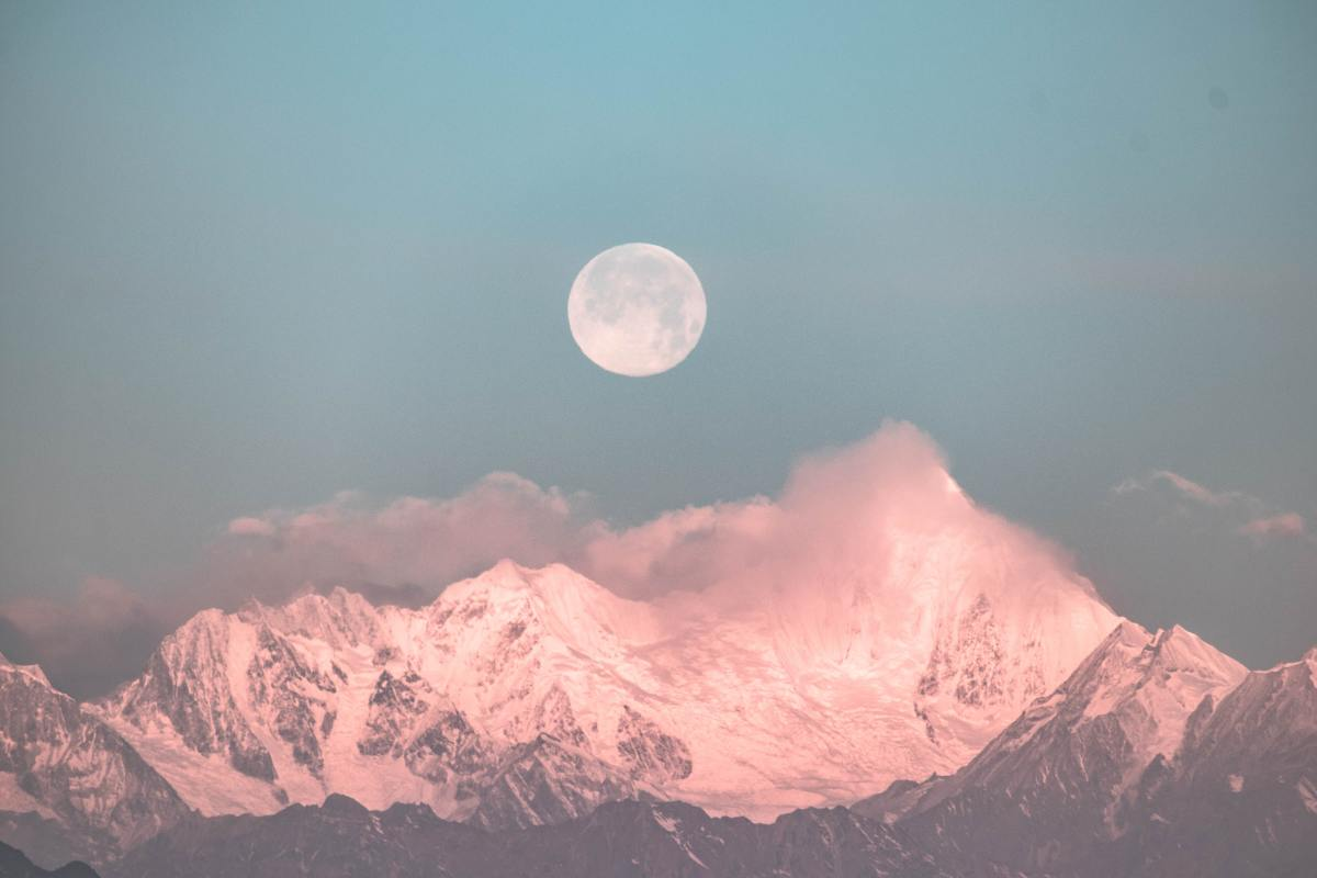 make-the-most-out-of-the-full-flower-moon-in-may