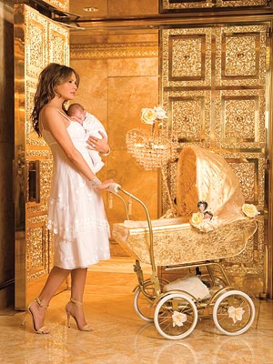 Here Trump's  eye candy trophy wife pushes a golden baby carriage.  Bernie is definitely not eye candy.  he rides snowplows on cold mornings and does his own laundry, all very mundane tasks.  Any wonder the media ignores him?
